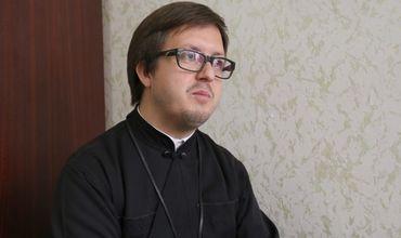 Начиная с 9 августа 2018 года священник Максим Мелинти может вновь совершать религиозные обряды. Фото: zdg.md.