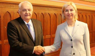 Вице-спикер парламента Венгрии поздравил Влах с победой на выборах.