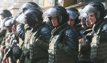 В Москве проходит массовая эвакуация людей из зданий вокзалов, вузов и торговых центров. Фото: tass.ru