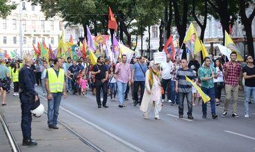 В Вене состоялся митинг в поддержку запрещенной в Турции Рабочей партии Курдистана (РПК).
