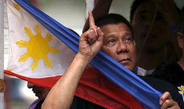 Филиппинский лидер сожалеет о своих резких словах в адрес президента США.