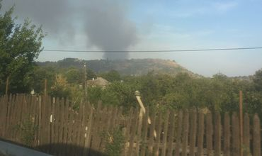 В Оргееве загорелась мусорная свалка