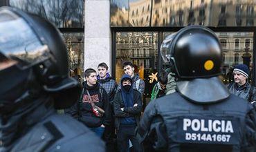 Сторонники независимости Каталонии устроили беспорядки в Барселоне.