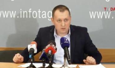 По cловам Петренко, под видом «Антифа» провокации будут устраивать боевики, которых сегодня готовят под крышей охранного агентства ARGUS S.