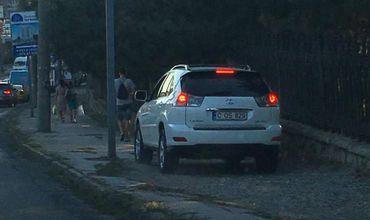 Водителя, разъезжавшего по тротуару, накажут штрафом в 500 леев