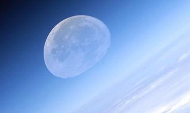 Восемь человек согласились отправиться в космическое путешествие к Луне.