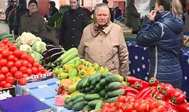 Продавцы намерены после завершения запасов молдавских овощей и фруктов начать ввоз из-за границы.