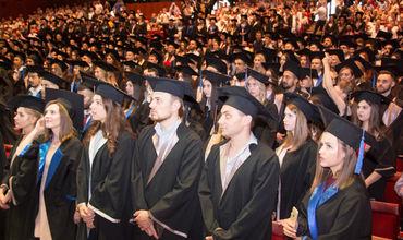 Более 600 выпускников ГУМФ принесли клятву Гиппократа.