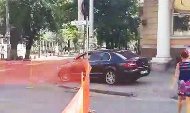 Очевидец отметил, что примеру автовладельца последовали и другие.