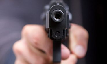 В Болгарии молдаванин обстрелял россиянина из-за женщины.