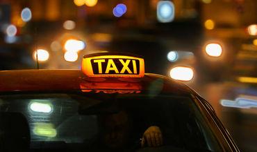 Жители Кишинёва обеспокоены перебоями с такси и невозможностью заказать машины для поездок к друзьям.
