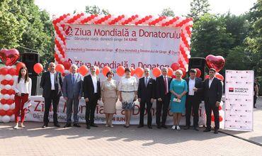 Депутаты и сотрудники секретариата парламента Республики Молдова выразили солидарность и присоединились к кампании по добровольной сдаче крови. Фото: parlament.md.