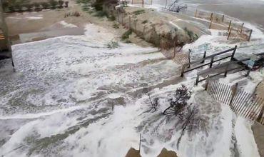 """Ураган """"Флоренс"""" вплотную приблизился к побережью США."""