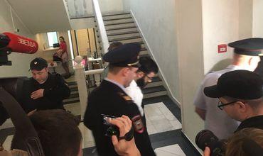 Вместе с ними задержали и гражданина Молдовы Виктора Федоровича, который пошел на сделку со следствием.