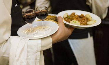 Отравившийся в ресторане посетитель может получить компенсацию не более 5 тыс леев.