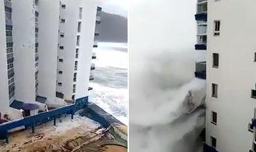 Гигантские волны обрушили балконы отеля на Тенерифе.