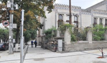 Продолжаются работы по ремонту пешеходной зоны исторического центра столицы.