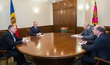 В ходе встречи также обсуждалось развитие двусторонних отношений между Молдовой и Россией.