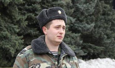 Пограничник Виктор Тартаринов спас людей из перевернувшейся маршрутки.