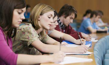 Обучающиеся за границей студенты смогут стажироваться в аппарате президента.