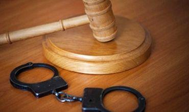 Мужчины, убившие и выбросившие тело друга в туалет, осуждены на 30 лет.