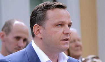 ACUM: Нэстасе откажется от поста спикера после голосования за антиолигархические законы.