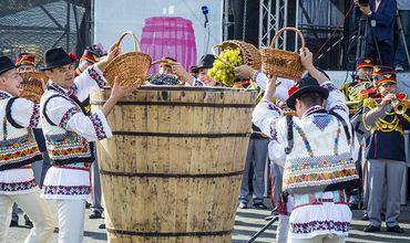 В центре Кишинева будет организован 5 и 6 октября Город вина - на Площади Великого Национального собрания.