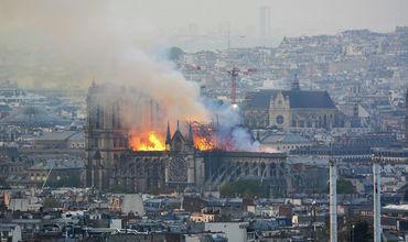 Стала известна судьба святынь собора Парижской Богоматери.