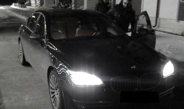 """Гражданин Румынии попытался ввезти в Республику Молдова угнанный автомобиль класса """"люкс""""."""