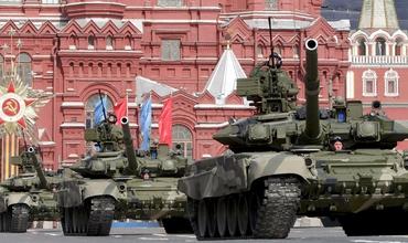 Первые танки были изобретены в 1915 году во время Первой мировой войны и впервые применены в бою на Сомме год спустя.