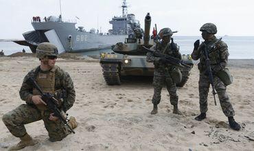 США провели учения, на которых имитировались первые два месяца войны с КНДР.