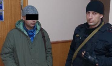 В Бельцах карабинер задержал орудовавшего в транспорте карманника.