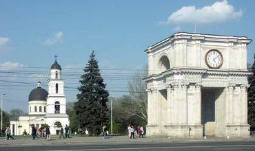 Количество жителей растет только в столице Молдовы и в Гагаузии.