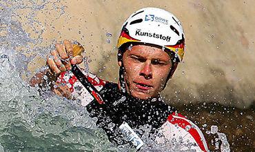 Погибший во время Олимпиады-2016 в Рио-де-Жанейро тренер олимпийской сборной Германии по гребному слалому Штефан Хенце стал донором органов для четырех человек.