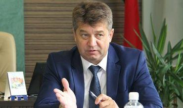 Экс-помощЭкс-помощнику Лукашенко за взятку в $200 тысяч дали 12 лет тюрьмы с полной конфискацией имущества.нику Лукашенко за взятку в $200 тысяч дали 12 лет тюрьмы