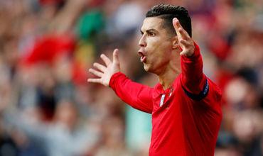 Криштиану Роналду в матче между сборными Португалии и Швейцарии оформил хет-трик (25, 88 и 90-я минуты).
