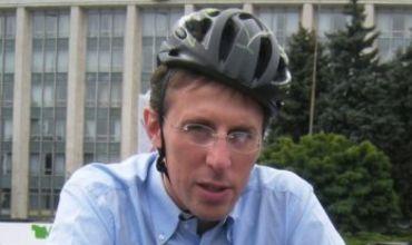 Киртоакэ обижен на критику своей велосипедной дорожки