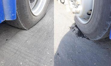 В столице троллейбус провалился колесом в яму