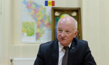 По мнению Оазу Нантоя, в последний период молдавский народ позволил себе увлечься иллюзиями, и теперь пришло время депрессии.