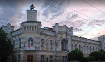 Общественные организации требуют созыва муниципального совета.