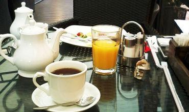 За килограмм пластика посетителям полагается полноценный обед, а за полкилограмма – плотный завтрак.