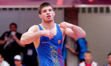 Борец вольного стиля в весовой категории до 70 кг Василе Дьякон.