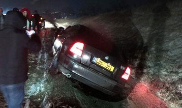 Две легковушки столкнулись на трассе Кишинев-Хынчешты.