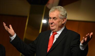 Действующий президент Чехии Милош Земан лидирует в первом туре выборов главы государства.