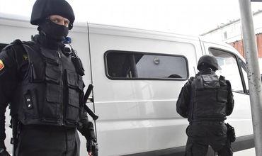 Прокуроры по борьбе с коррупцией и сотрудники СИБ провели обыски в офисе Государственной налоговой службы.