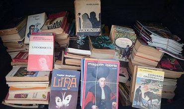 Mii de cărți adunate în România, pentru o școală din Călărași.
