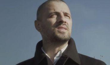 Музыку написал Павел Стратан, а стихи – результат совместного творчества Павла и Kapushon.