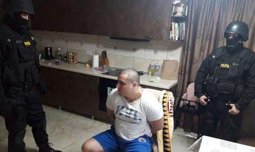 Ce spune bărbatul care l-a atacat cu sabia pe polițistul în misiune. Foto: digi24.ro