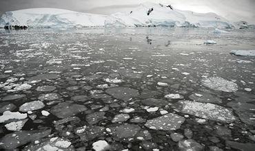 НАСА: подо льдами Антарктики существует гигантское озеро из магмы.