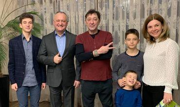 Глава государства в минувшее воскресенье пригласил на ужин Григория Лепса, который выступил с концертом в Кишиневе.